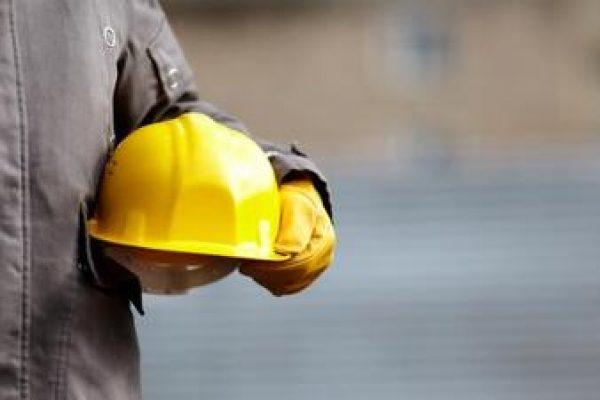 İşçiye yapılan ödemelerin bir kısmının sigorta primine yansımamasının fesih için haklı sebep oluşturması